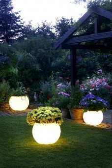 6 DIY Outdoor Lighting Ideas That Will Make Your Patio Shine