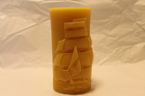 3x6''pillar with tall ship design,100% domestic beeswax,100%cotton wick,burning hours 100.
