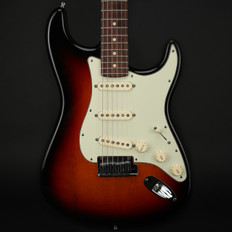 Fender Custom Shop Custom Deluxe Stratocaster in 3TS with OHSC & COA - Used