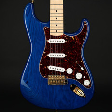 Fender Deluxe Players Stratocaster in Blue Trans, Vintage Noiseless Pickups with Gig Bag - Used