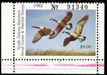 North Dakota Duck Stamp 1982 Canada Geese Hunter type bottom stamp