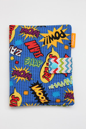 Superhero Sayings crayon wallet closed view