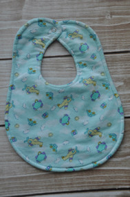 Travelling boy classic bib in large