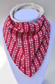 Pink Diamonds with ivory minky backing bandana bib