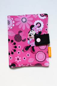 Minnie Mouse crayon wallet closed view