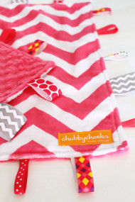 Fuchsia Chevron tag blanket, size large