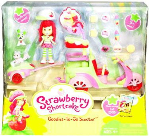Strawberry Shortcake Goodies To Go Scooter Playset