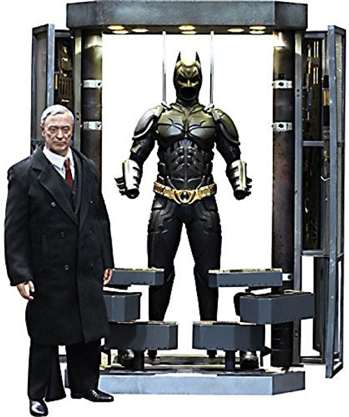The Dark Knight Movie Masterpiece Batman Armory With Alfred Pennyworth 1/6 Collectible Figure Set