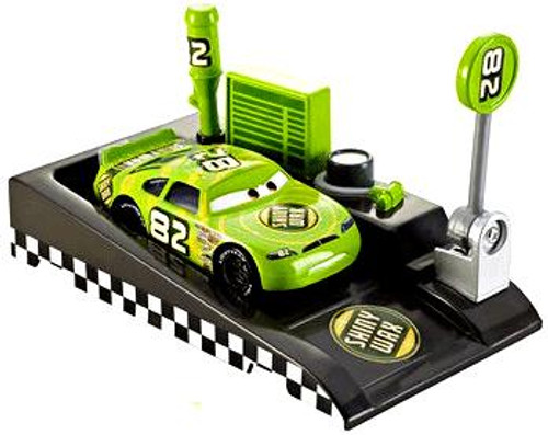 Disney Cars Pit Row Race-Off Shiny Wax No. 82 Diecast Car [Includes Launcher]