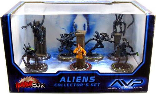 Alien vs Predator HorrorClix Aliens Collector's Set