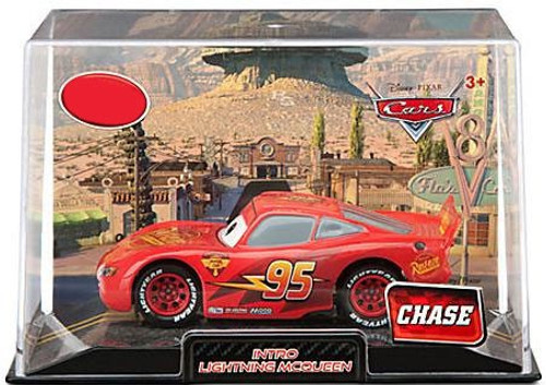 Disney Cars Cars 2 1:43 Collectors Case Intro Lightning McQueen Exclusive Diecast Car