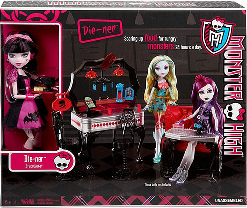 Monster High 13 Wishes Die-Ner with Draculaura 10.5-Inch Doll