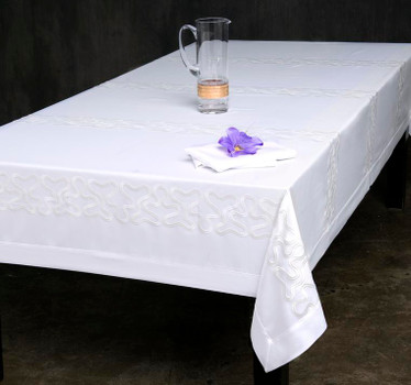 European Pinnacle Loft Tablecloth