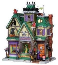 25331 - Pets & Potions  - Lemax Spooky Town Halloween Village Houses & Buildings