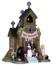 35499 - Frank's Big Day  - Lemax Spooky Town Halloween Village Houses & Buildings