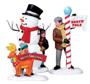 02836 - Setting Up for the Season, Set of 3 -  Lemax Christmas Figurines