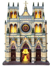 95916 -  St. Patrick's Cathedral, Battery-Operated (4.5v) - Lemax Christmas Village Facades