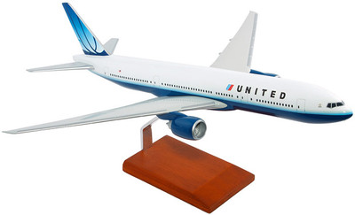 United Airlines Boeing 777-200 1/100 Model Airplane