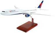 Delta Air Lines B767-400 Model Airplane