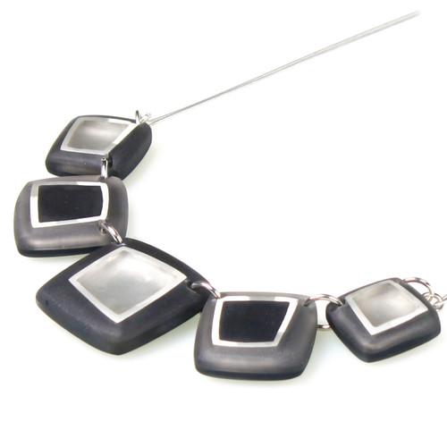 1868-9 - Irregular Squares Necklace Black Combi