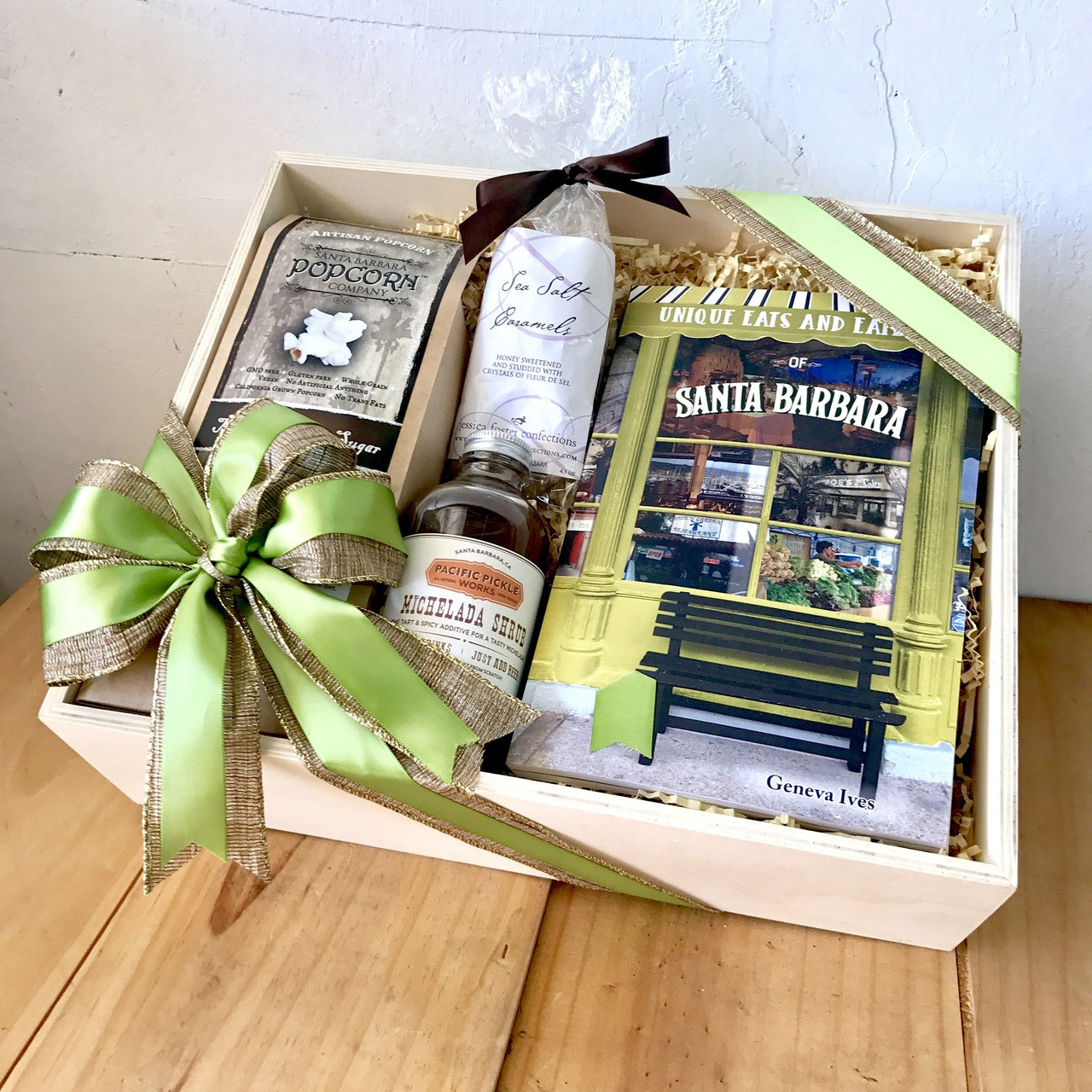 Unique Eats & Eateries Book Gift Box.