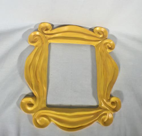 Friends, Monica's Famous Peephole Door Frame