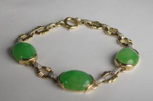 Natural Jade and Diamond Bracelet in 18kt Gold