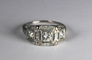 Art Deco 18kt 3 Stone Diamond Ring/Band