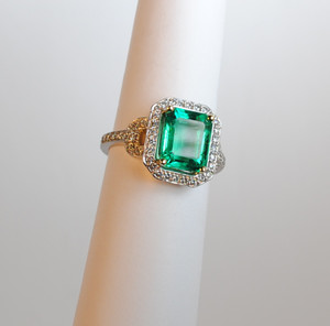 Modern 18kt 3.03 carat Emerald & Diamond Ring