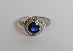 Art Deco Platinum Sapphire 1.25 carats & Diamond Ring