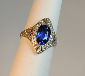 Edwardian Ceylon Sapphire2.35 carats and Diamond Ring Platinum