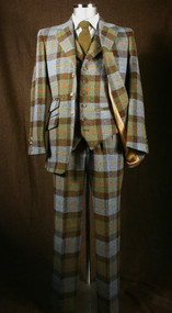 Hunting Macleod Harris Tweed Suit