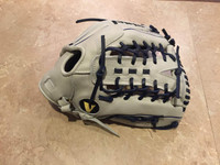 Custom Vinci 13.25 White with Navy Lace Y Web