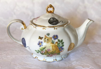"""Cats"" 8 cup capacity porcelain teapot by Fielder"