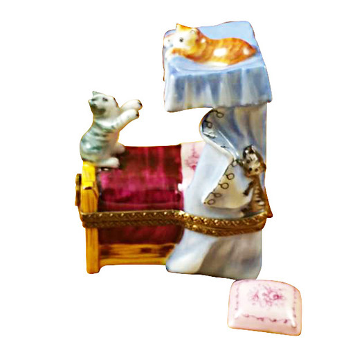 Limoges Imports Cats On Bed Limoges Box