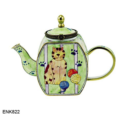 ENK822 Kelvin Chen Cat with Yarn Balls Enamel Hinged Teapot