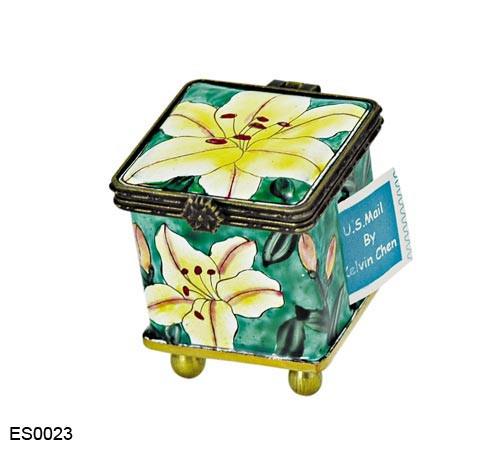 ES0023 Kelvin Chen Asiatic Lilies Stamp Box