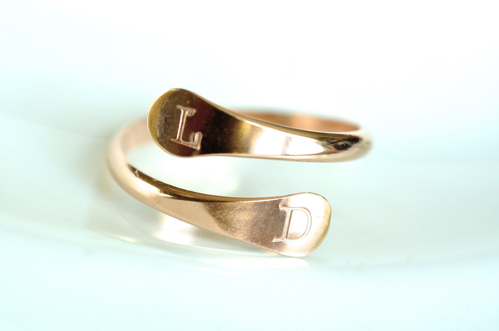 adjustable initial ring in gold - muyinjewelry.com