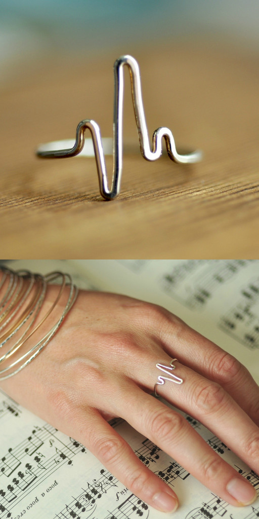 heartbeat ring - delicate ring | muyinjewelry.com