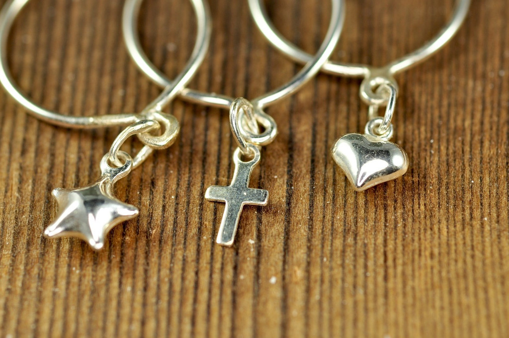 sterling silver dangle ring with heart, star and cross charm   muyinjewelry.com