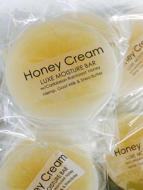 Honey Cream Luxe Moisture Bar