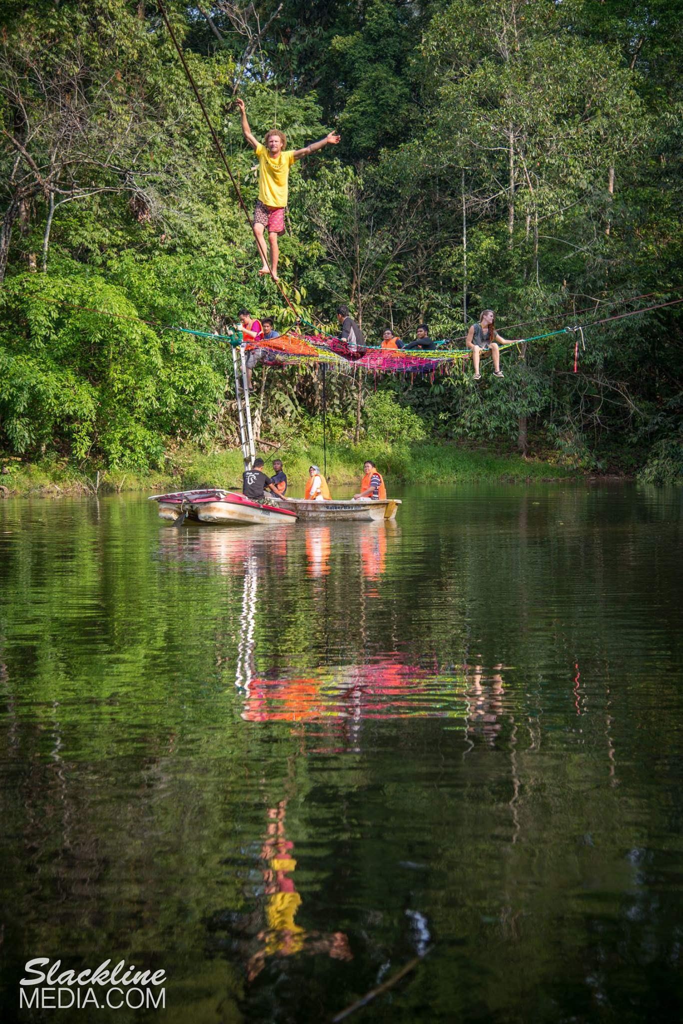 rainforest-discovery-centre-sandakan-in-borneo-5-.jpg