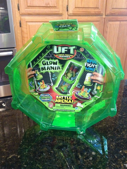UFT ring Ultimate Fighting Trashies BATTLE ARENA -GLow Mania Spin Fight Win