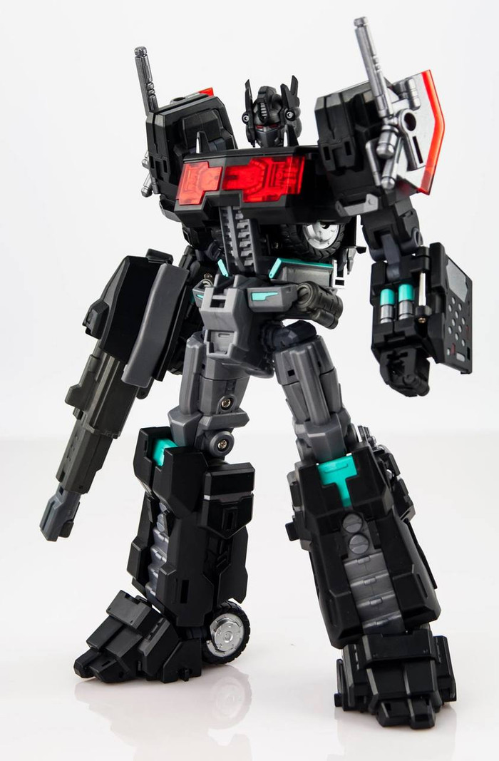 MakeToys - Cross Dimension - MTCD-01SP Striker Noir (Limited Edition)