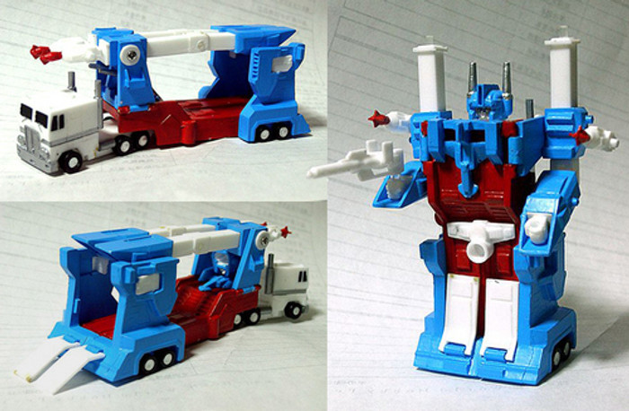World's Smallest - Ultra Magnus