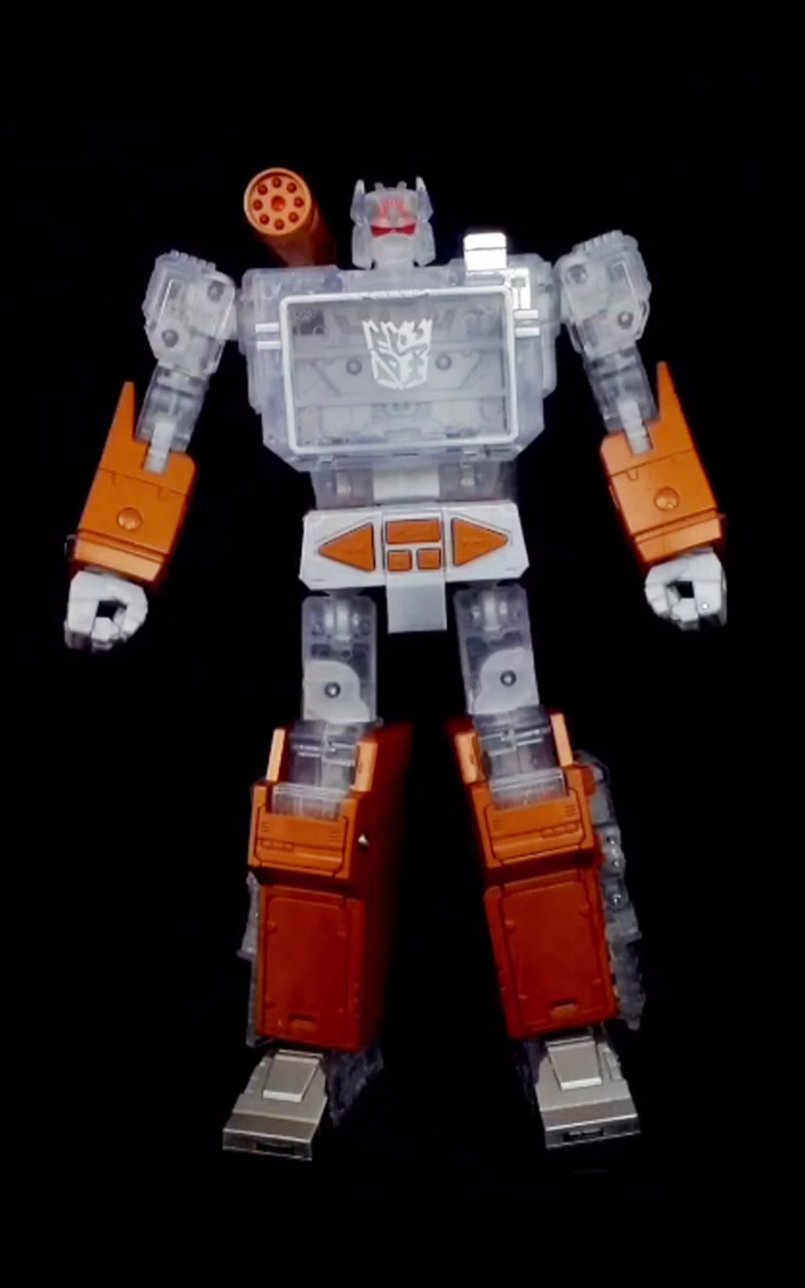 Transformers Year Of Goat Platinum Masterpiece MP-13 Soundwave with 5 Tapes