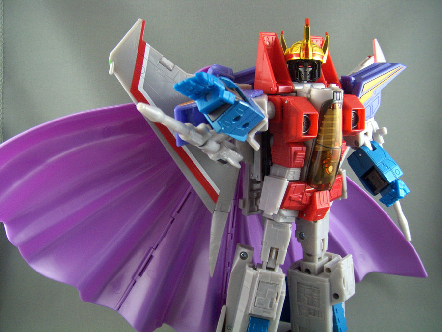 MP-11 Masterpiece Coronation Starscream with coin (Asia Reissue)
