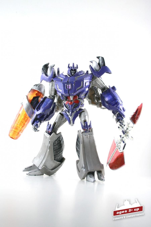 RFX-002A Renderform Dark Emperor Garage Kit With Megatron Figure
