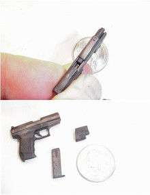 Miniature 1/6 SAS pistol with slide action RARE