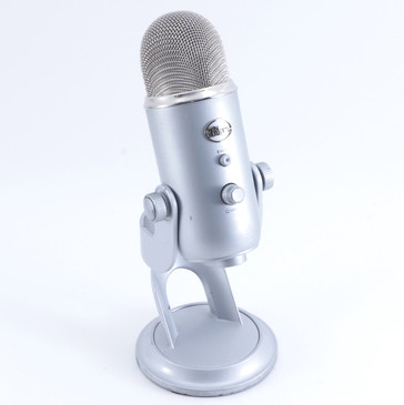 Blue Yeti Condenser Multi-Pattern Microphone MC-2313